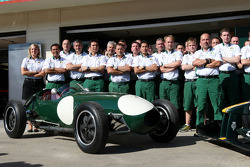 Lotus Type 12 and Mike Gascoyne, Lotus F1 Team, Chief Technical Officer