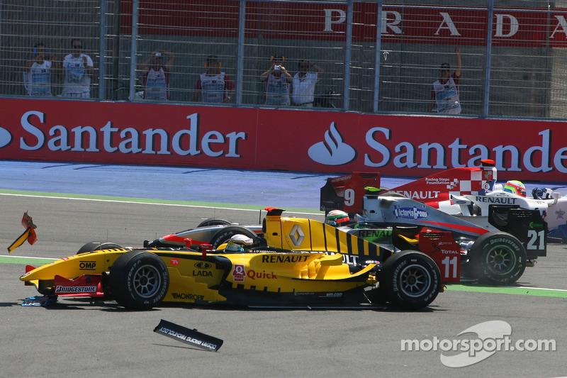 Crash bij bocht 2, start van de race, Jerome d'Ambrosio