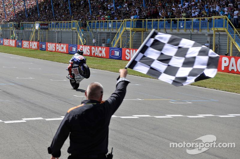 Jorge Lorenzo, Fiat Yamaha Team au drapeau à damiers