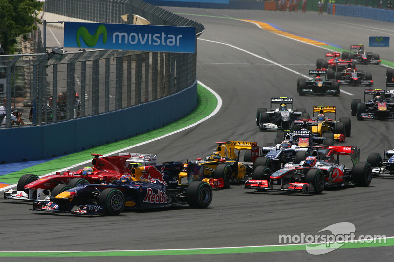 Start of the race, Mark Webber, Red Bull Racing and Felipe Massa, Scuderia Ferrari