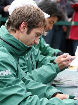 Jarno Trulli signing autographs