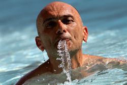 Gabriele Tarquini, SR - Sport, Seat Leon 2.0 TDI goes for a swim