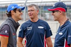 Bruno Senna, HRT F1 F110-02 talks with iSport engineers Richard Selwin and Gavin Jones