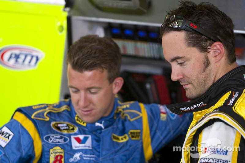 Paul Menard, Richard Petty Motorsports Ford and A.J. Allmendinger, Richard Petty Motorsports Ford