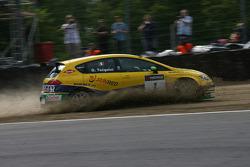 Gabriele Tarquini, SR - Sport, Seat Leon 2.0 TDI gestopt in de grindbak
