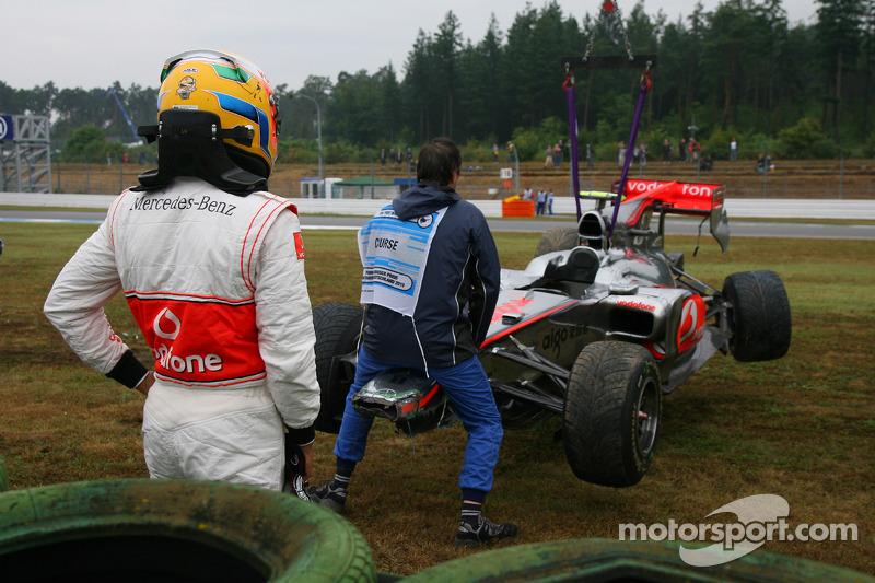 Lewis Hamilton, McLaren Mercedes crashed during the session