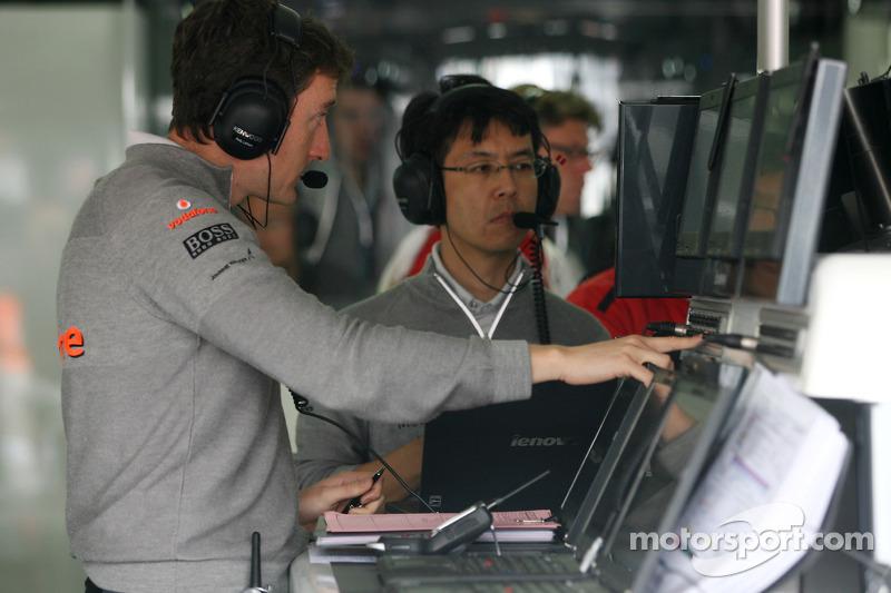 McLaren Mercedes engineer
