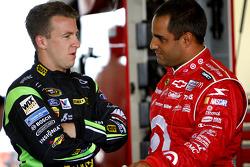 A.J. Allmendinger, Richard Petty Motorsports Ford en Juan Pablo Montoya, Earnhardt Ganassi Racing Chevrolet