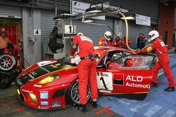 Pitstop #1 AF Corse - ALD Team Vitaphone Ferrari F430 GT2: Michael Waltrip, Nicola Cadei, Robert Kauffman, Marco Cioci