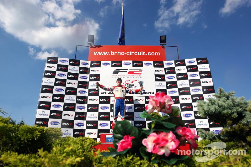 Jolyon Palmer won de race