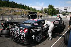 Pit stop for #23 Sumo Power GT Nissan GT-R: Michael Krumm, Peter Dumbreck