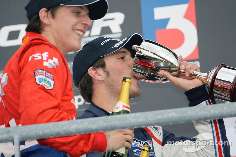 Podium: winnaar Jean-Eric Vergne, 2de James Calado