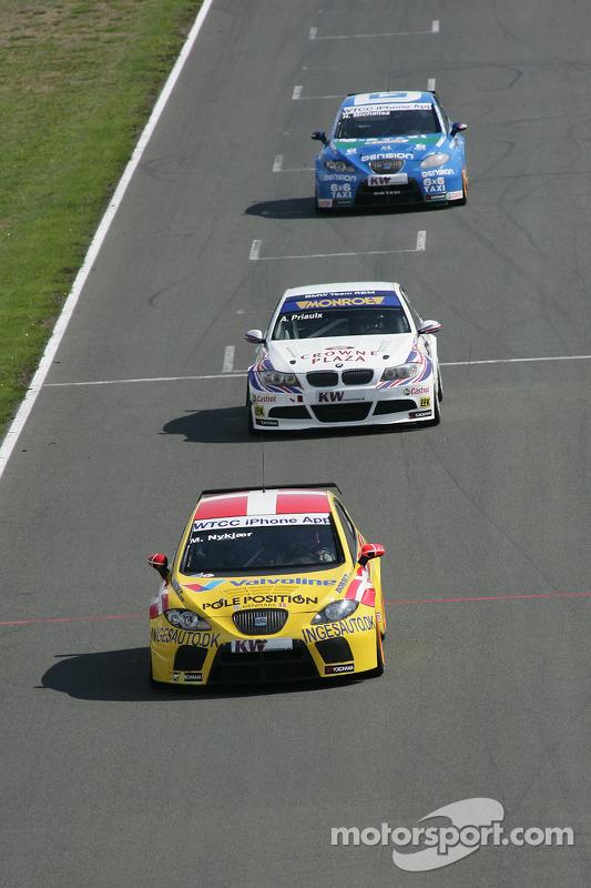 Michel Nykjer Sunred Engineering Seat Leon 2.0 TDI en Andy Priaulx BMW Team RBM BMW 320si