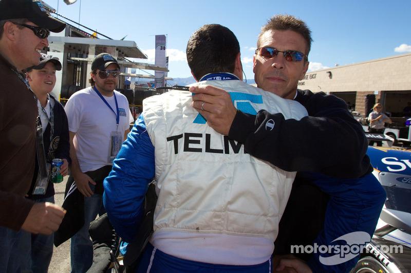 DP en pole winnaar Memo Rojas celebrates met Scott Pruett