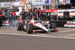 Pit stop for Helio Castroneves, Team Penske