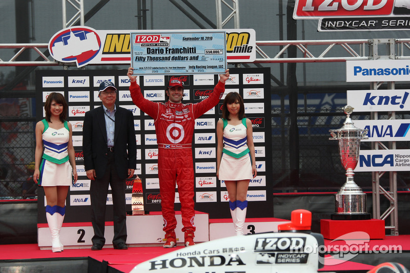 Podium: 2de Dario Franchitti, Target Chip Ganassi Racing