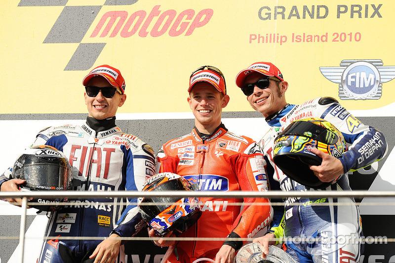 Podio: 1º Casey Stoner, 2º Jorge Lorenzo, 3º Valentino Rossi