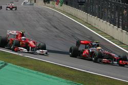 Фернандо Алонсо, Scuderia Ferrari та Льюіс Хемілтон, McLaren Mercedes