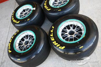 Different colors for different tyres