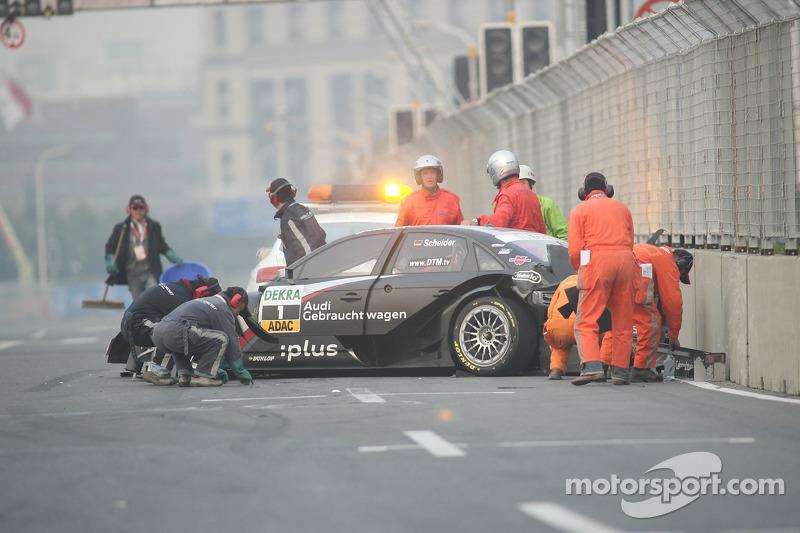Timo Scheider, Audi Sport Team Abt Audi A4 DTM na crash