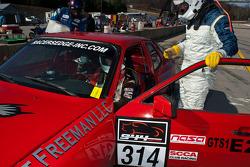 #314 Intellergy Solutions 1983 Porsche 944 Red: Tim Pruitt, Stacy Freeman, Jorge DeMacedo