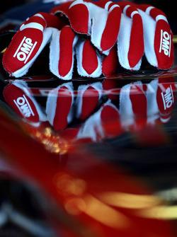 The gloves of Sebastien Buemi, Scuderia Toro Rosso