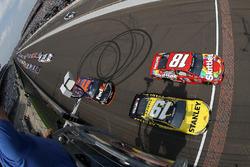 Start : Kyle Busch, Joe Gibbs Racing Toyota mène