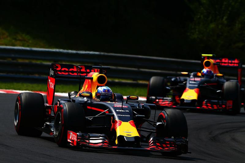 Red Bull (256 puntos)