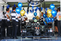 Birthday balloons and bunting in the McLaren garage to celebrate the 35th birthday of Fernando Alonso, McLaren