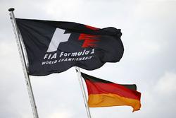 Banderas de la F1 y alemána