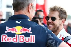 Jonathan Wheatley, Red Bull Racing Team Manager with Sebastian Vettel, Ferrari