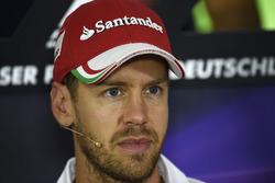 Себастьян Феттель, Ferrari во время пресс-конференции