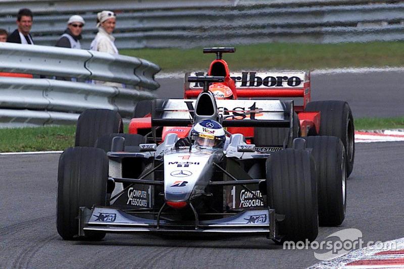 Mika Hakkinen, McLaren-Mercedes MP4/15 (2000)