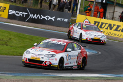 Josh Cook, MG Racing RCIB Insurance and Ashley Sutton, MG Racing RCIB Insurance
