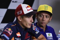 Marc Marquez, Repsol Honda Team; Valentino Rossi, Yamaha Factory Racing