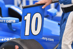 Car of Tony Kanaan, Chip Ganassi Racing Chevrolet