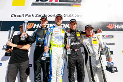 Podium: Sieger Antti Buri, LMS Racing, SEAT Leon TCR; 2. Josh Files, Target Competition, Honda Civic TCR; 3. Harald Proczyk, HP Racing, SEAT Leon TCR; Bester Junior Niko Kankkunen, LMS Racing, SEAT Leon Cup Racer