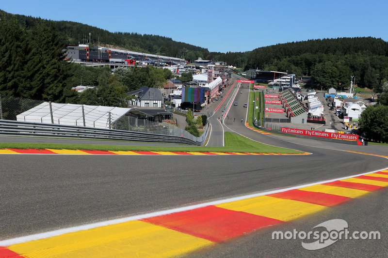 Eau Rouge, Track atmosphere