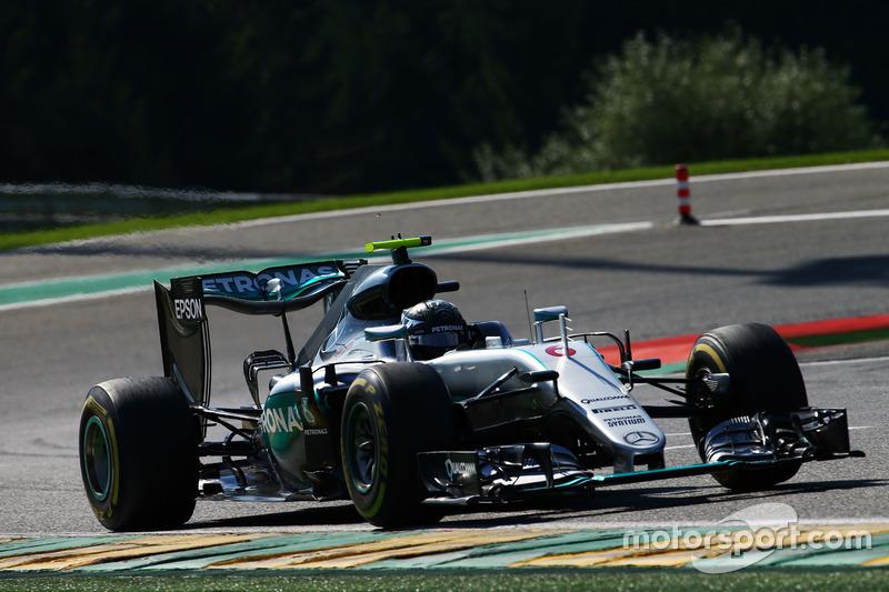 1º Nico Rosberg, Mercedes AMG F1 W07 Hybrid
