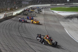Restart: James Hinchcliffe, Schmidt Peterson Motorsports, Honda, führt