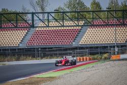 Kimi Räikkönen, Ferrari SF15-T, mit Pirelli-Reifen für 2017