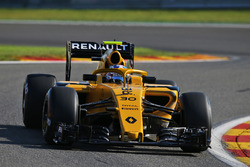 Renault RS16 with coloured Halo
