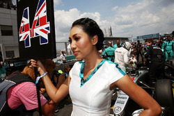 Grid girl for Lewis Hamilton, Mercedes AMG F1 W07 Hybrid