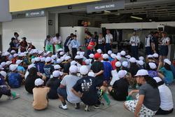 Junge Fans vom Williams team