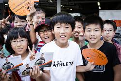 Junge Fans vom Sahara Force India F1 Team
