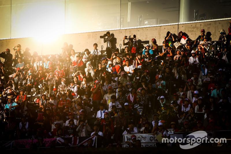 Fans auf der Tribüne