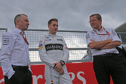 Stoffel Vandoorne, third driver, McLaren F1 Team drives the 1989 McLaren MP4/5 of Alain Prost, Paddy Lowe, Mercedes AMG F1 Executive Director,