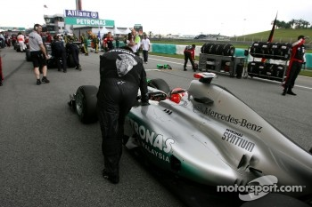 Mercedes needs a new chassis says Stuck