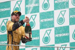 Podium: 3de Nick Heidfeld, Lotus Renault F1 Team