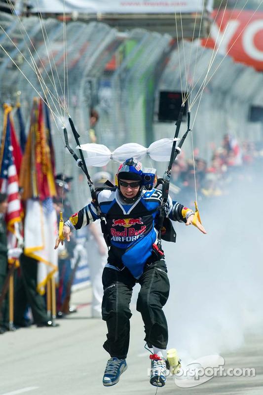 Parachutiste Red Bull
